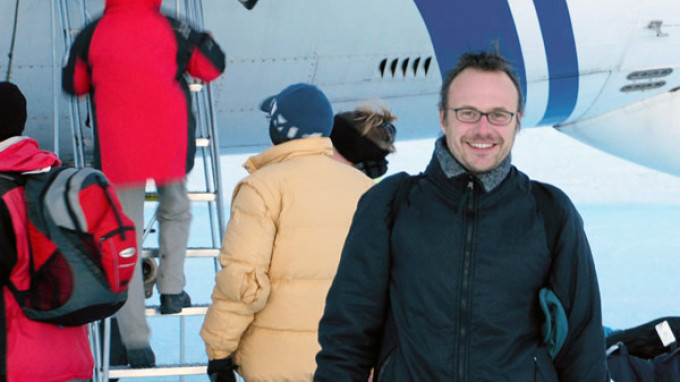 Laureate of InBev-Baillet Latour Antarctica Prize 2008 Leaving for Antarctica