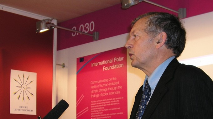 Professor Gerard Jugie and IPF showcase polar research at the CER 2005 conference