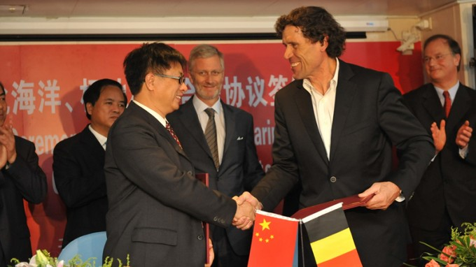 Alain Hubert Signs Collaboration Agreements with Chinese Polar Authorities in Shanghai